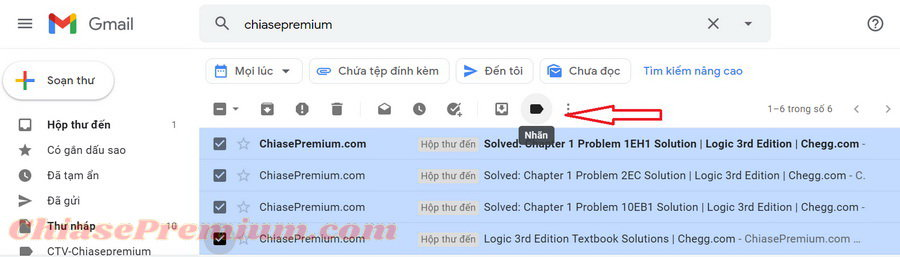 Nhấp chọn vào các email bạn cần sau đó click vào biểu tượng nhãn dán